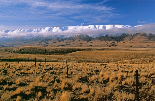 Winter still holds its fierce grip over the mesa-like summit of the 1850-metre Hawkdun Range as the farmland valley soaks up the early-spring sun. The Hawkduns sit within the 64,000-hectare Oteake Conservation Park, which opened in May 2010 to protect and make accessible to the public the essence of Central Otago landscapes—their spaciousness, silence and solitude.