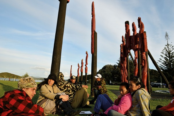 Carved poles symbolising the rangatira have been erected in the marae grounds at Waitangi, where the chiefs gathered to discuss the new political reality of the Pakeha. Their descendants gather in the same place to discuss political action today.