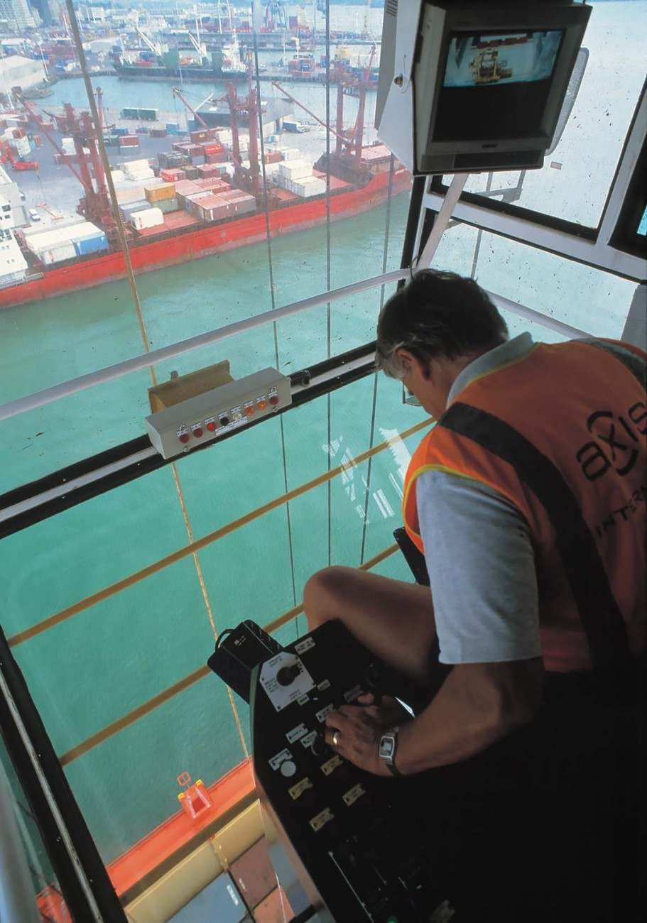 Perched some 37 m above the wharf in a cabin that slides back and forth beneath the main boom of his giant ZPMC container crane, operator Brian Moffat can load or unload around 30 containers an hour. ZPMCs can lift two 20-foot containers simultaneously, with a maximum load of 60 tonnes.