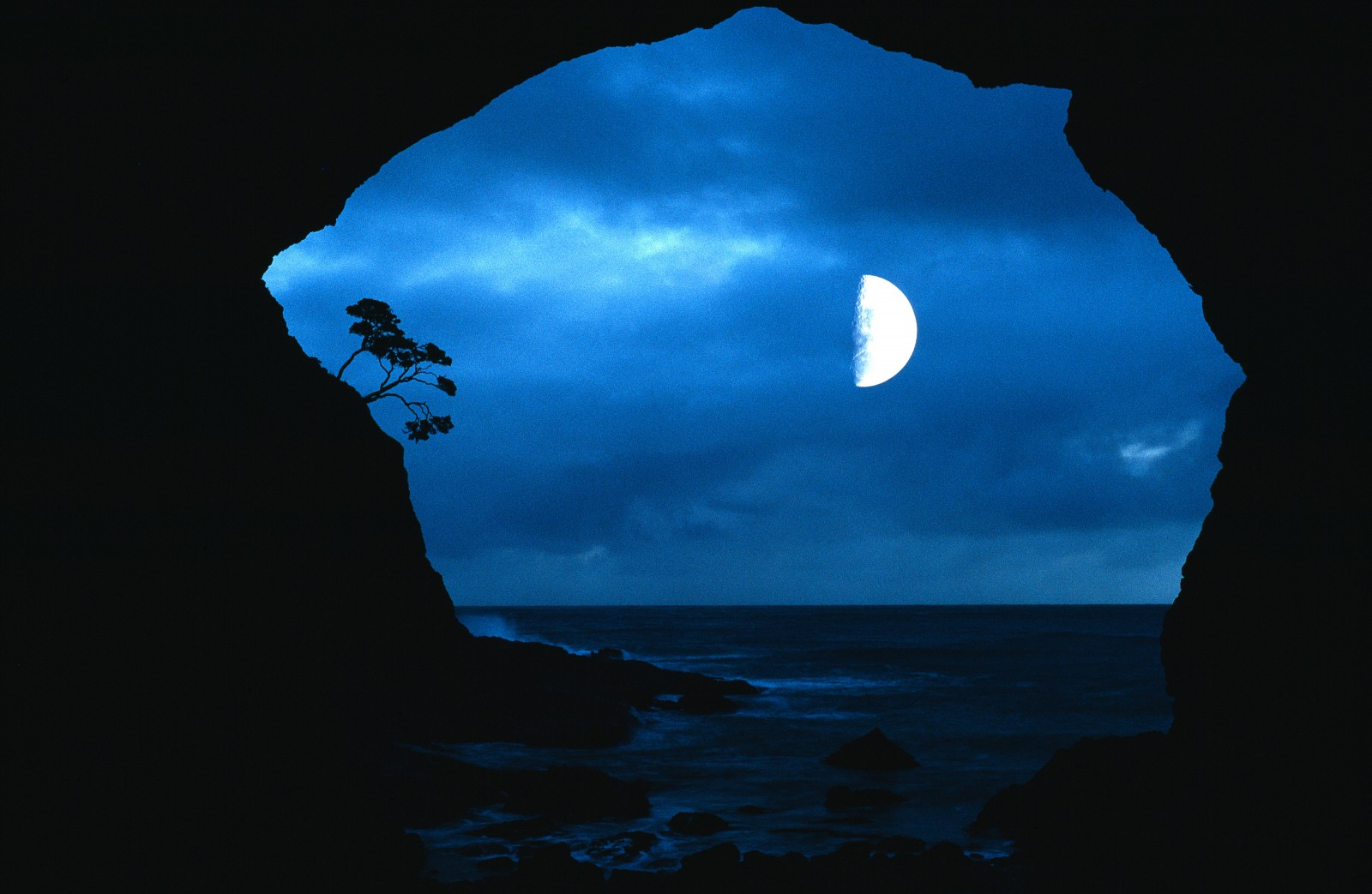 Let the secrets of this cave remain with the moon, the pohutukawa and the moana. Caressing forever the whisperings of TE ARA WAIRUA.