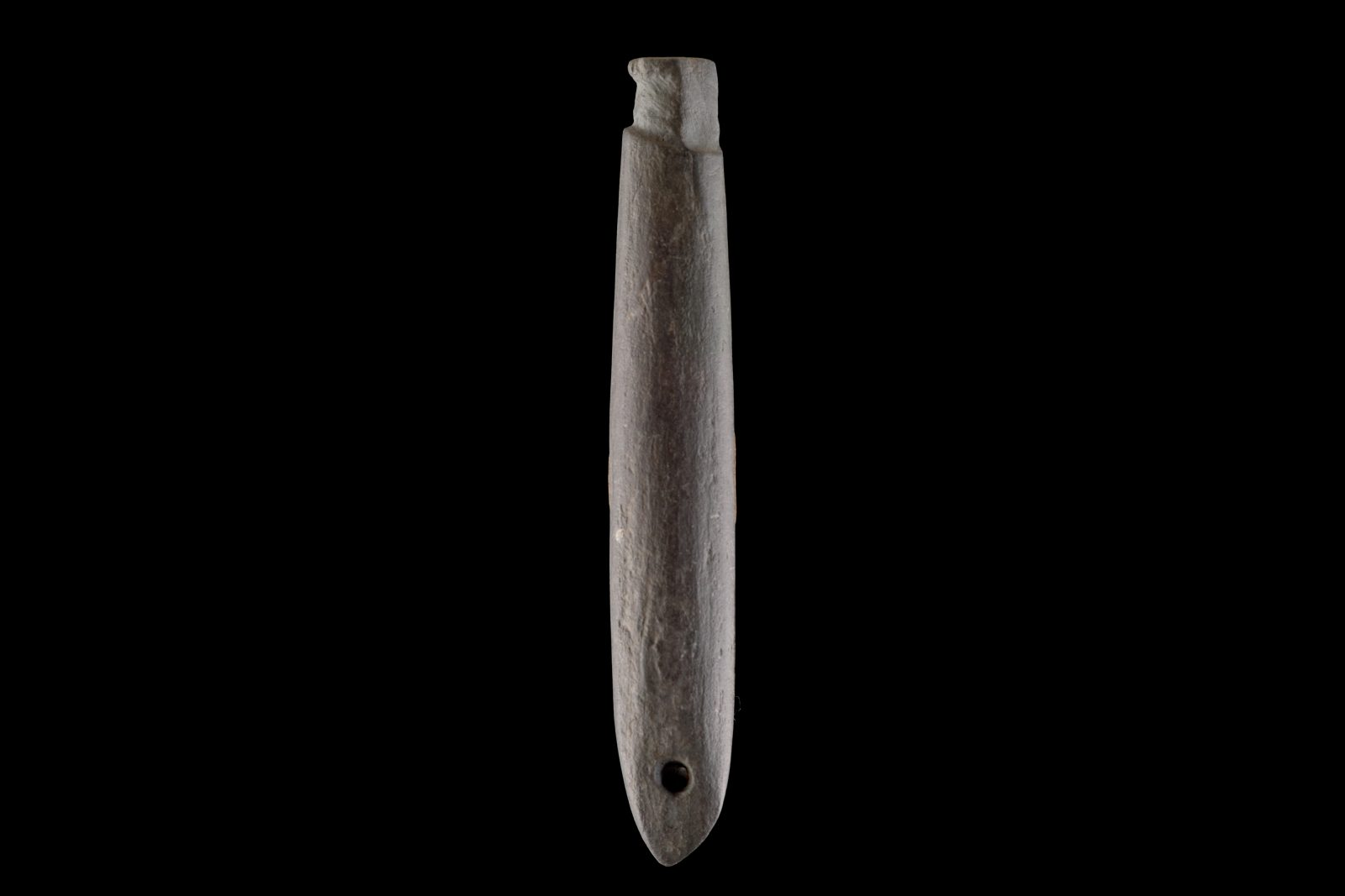 Stone shank minnow lures were replaced by lures made using wire lashed to a piece of paua shell after the arrival of Europeans. Archaeological examples of these fishing lures are mostly incomplete, as flax lashings holding the bone point in place decomposed months after they were discarded. Large numbers have been found in archaeological sites, and very few intact examples are known from museum collections.