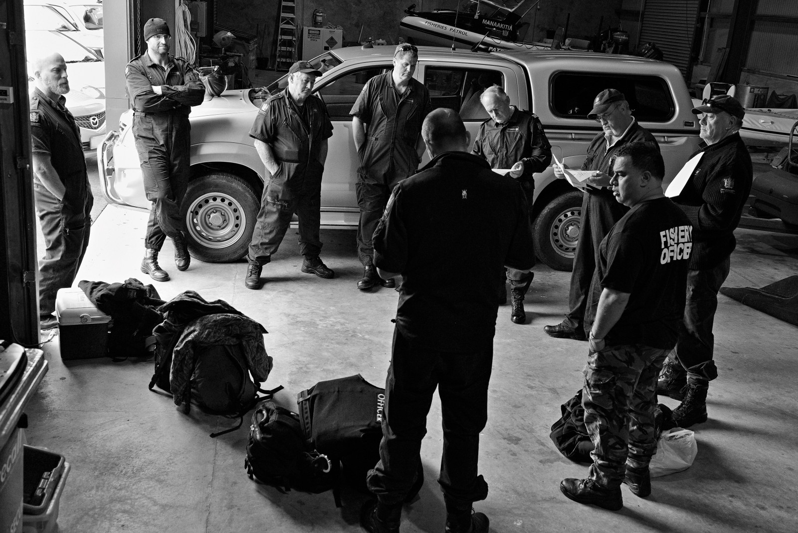 Officers meet for an early- morning briefing in Whangarei, before heading north to Kawerua, south of Hokianga, where they will position themselves along the coastline. There they will hide, with binoculars and remain in radio contact. In its relentless pursuit of poachers, the Ministry for Primary Industries executes regular paua operations up and down the New Zealand coastline. Carefully planned, these stakeouts are top secret and demand a large number of personnel, including voluntary honorary fishery officers.